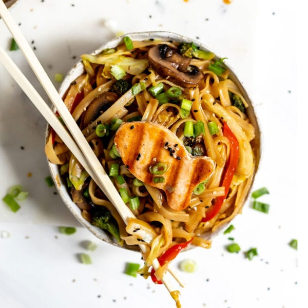 blue circle foods ginger soy chinese noodles with happy fish recipe 2